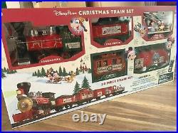 BNIB Dsiney Store Disneyland Paris Electric Christmas Train Set, 30 pieces, 2020
