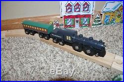 BRIO Polar Express Wooden Train Set Engine Passenger Car Snowman Christmas 32501
