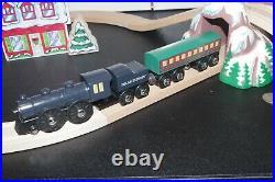 BRIO Polar Express Wooden Train Set Engine Passenger Car Tunnel House Christmas