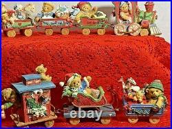 Christmas Train Set Engine Caboose Santa Mail Toy 7 Cars Set Cherished Teddies