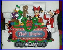 Dillard's 2008 WALT DISNEY WORLD Christmas Train Complete Set of 5 with Boxes
