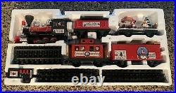 Disney Parks 30 Piece Mickey & Friends Christmas Train Set Complete Excellent