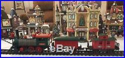 Grandeur Noel 42 Piece Train Village Christmas Set 2001 Collector's Edition NMIB