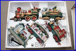 NEW BRIGHT THE HOLIDAY EXPRESS ANIMATED TRAIN #387 G Scale Christmas Train Set