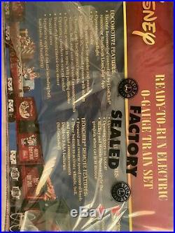 NEW! Lionel Disney Christmas to Remember Lionchief O Gauge Train Set Bonus Track