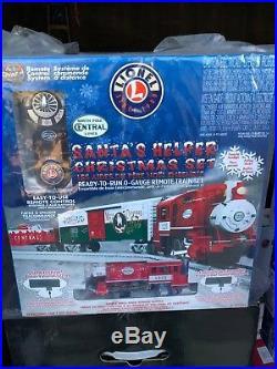 NEW Lionel Santa's Helper Christmas Lionchief Set Train