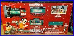 New 2020 Walt Disney World CHRISTMAS Holiday Railroad Train Set Mickey Parks 30
