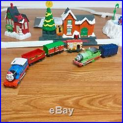 Thomas The Train Christmas Set.Thomas Christmas Delivery Trackmaster Motorized Train Set
