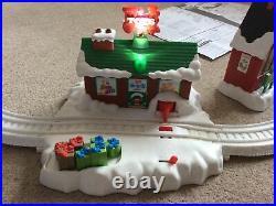 Thomas & Friends TrackMaster Railway (Around Tree) Christmas Delivery Train Set