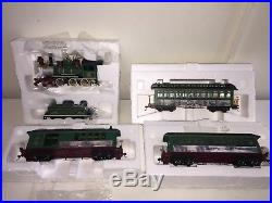 Christmas Village Train Set.Thomas Kinkade Hawthorne Christmas Village Train Set