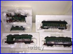 Thomas Kinkade Hawthorne Christmas Village Train Set Locomotive 4 Cars Bachmann